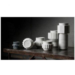 Seletti diesel contenitore h 29 7 cm forme e colori for Smart travel seletti